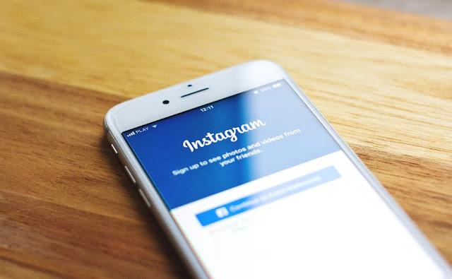 Cara Pakai Stiker Chat di Instagram