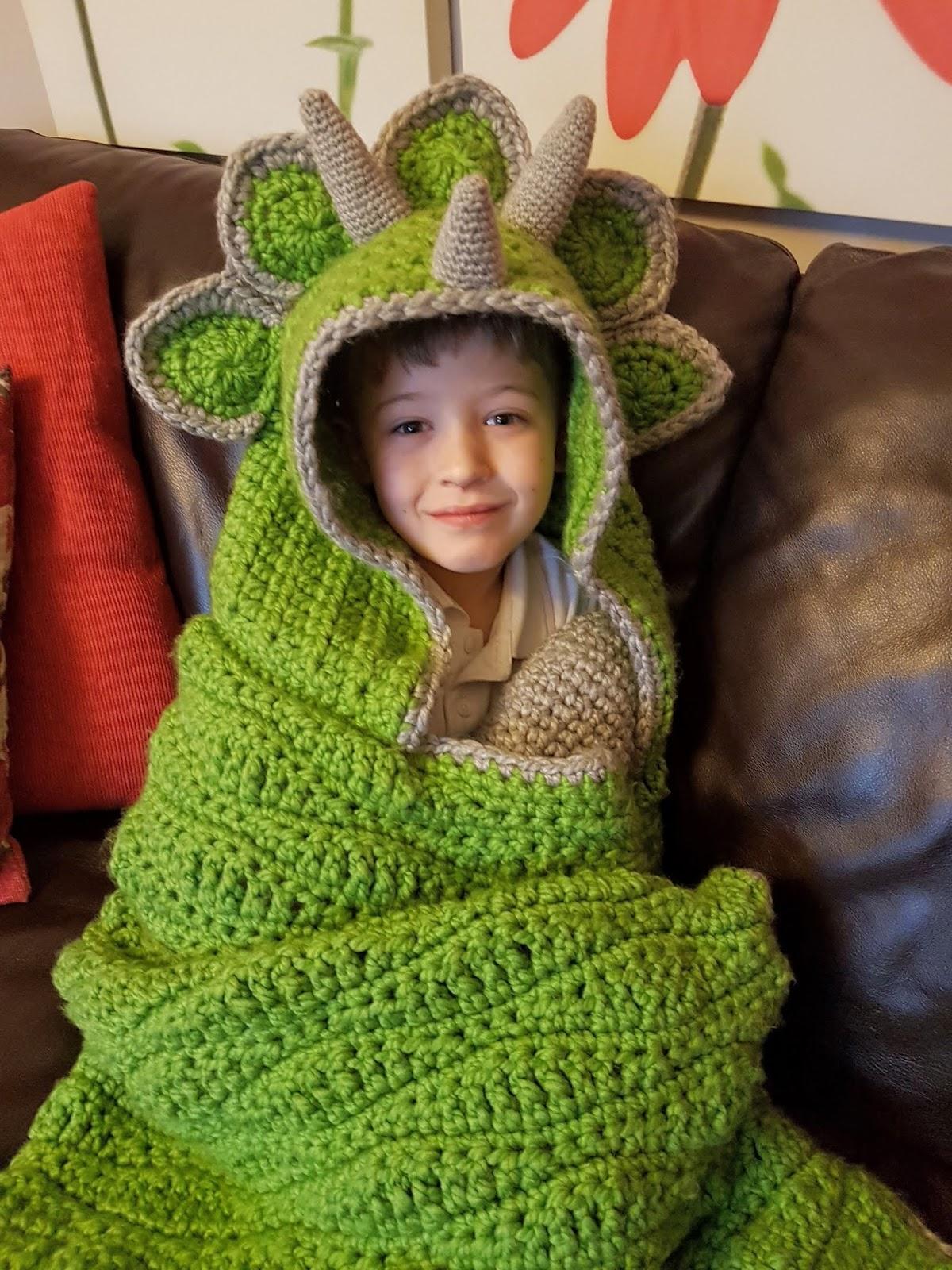 946065f77257 Crochet Pattern 2 in 1 Hooded Dinosaur Blanket Triceratops or ...