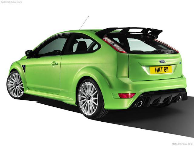 fıstık yeşili araba