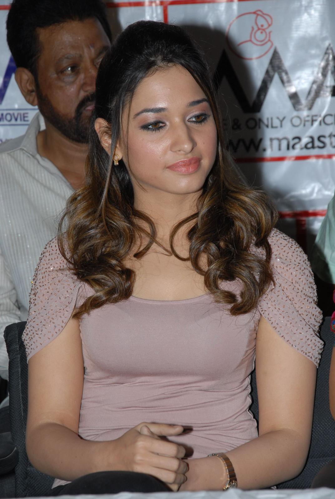 Bollywood Hollywood Lip Lock: May 2012