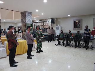 Kunjungan ke Makassar , Panglima TNI dan Kapolri Cek Petugas Tracer Covid-19