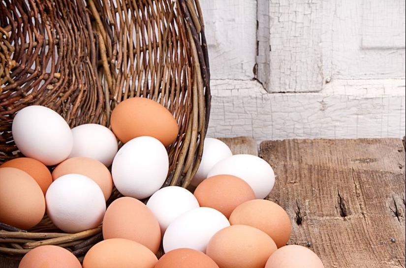 Τι διαφορές έχουν τα λευκά από τα καφέ αβγά;