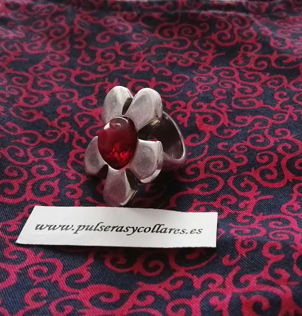 anillo de margarita con piedra