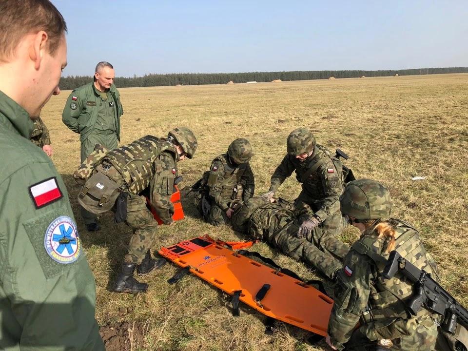 Польська тероборона тренується  аеромедичній евакуації