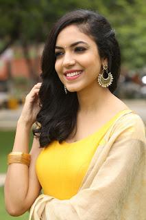 Reetu Varma beautiful in yellow salwar suit from Pelli Chupulu movie success meet