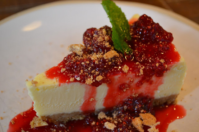 Jamie's Italian Baked White Chocolate Cheesecake