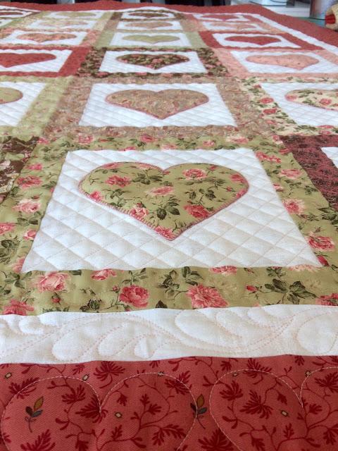 Cocha patchwork corazones Cristina Parlange