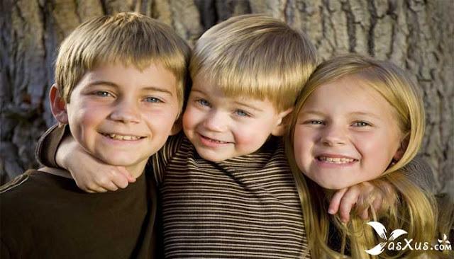 15 Fakta Anak Kedua Dalam Percintaan, Keluarga, dan Lingkungan Sekitarnya