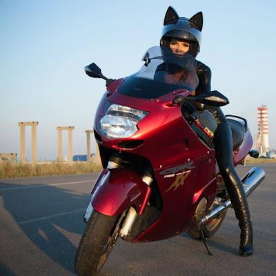 Casco para moto con orejas de gato