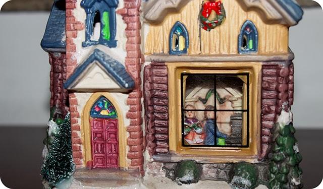 Decoração Natalina Enfeites de Natal Igreja Vila Iluminada Detalhes