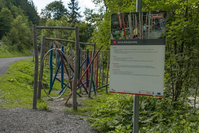 Motorikweg an der Saalachpromenade | Wandern mit Kindern in Saalbach 05