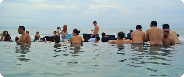 Finns_Beach_Club_Bali