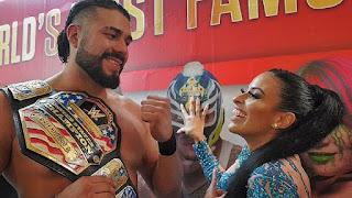 WWE - Andrade despoja a Rey Mysterio del cinturón de los Estados Unidos
