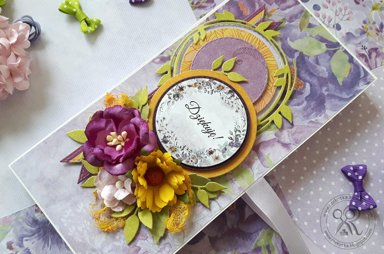 Letni czekoladownik z kwiatami