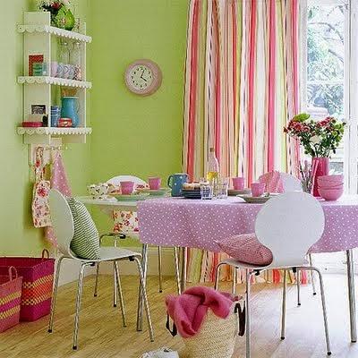 Comedor rosa verde