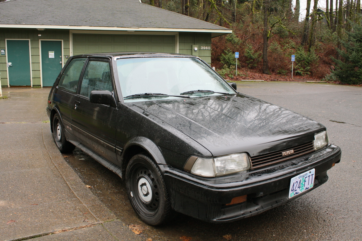 old parked cars a christmas miracle ben 39 s 1987 toyota corolla fx16 gt s. Black Bedroom Furniture Sets. Home Design Ideas