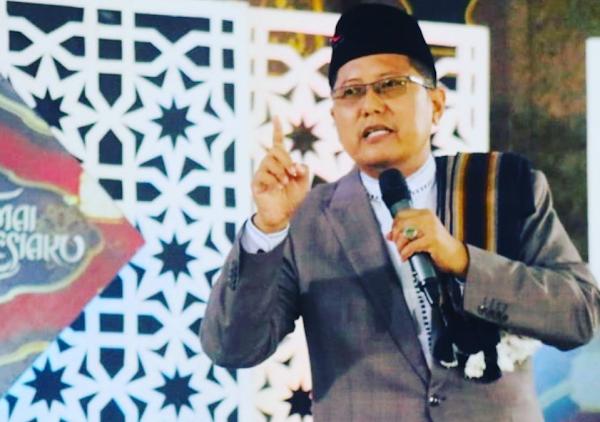 KH Cholil Nafis: Tak Ada Alasan Kearifan Lokal, Miras itu Merusak Akal Generasi Bangsa