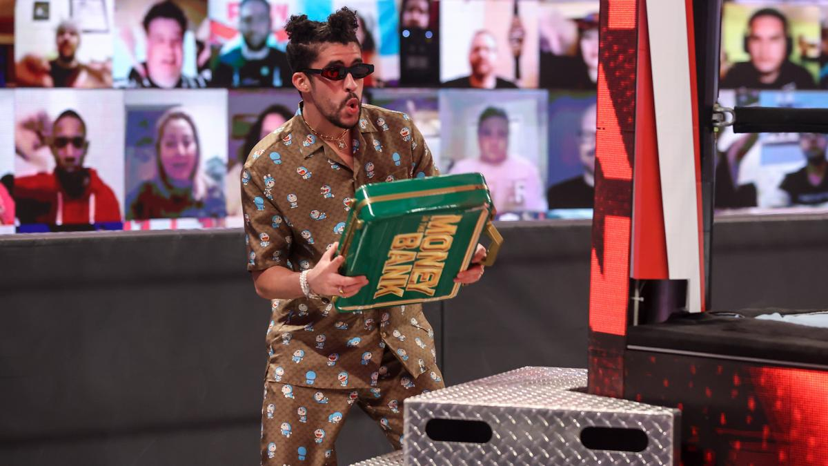 Bad Bunny ainda voltará para a WWE
