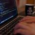شركة برمجيات في عمان بحاجة مصمم جرافيك ومطور برمجيات وتطبيقات موبيل