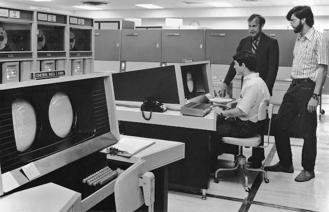 """كمبيوتر """"CDC 6600"""""""