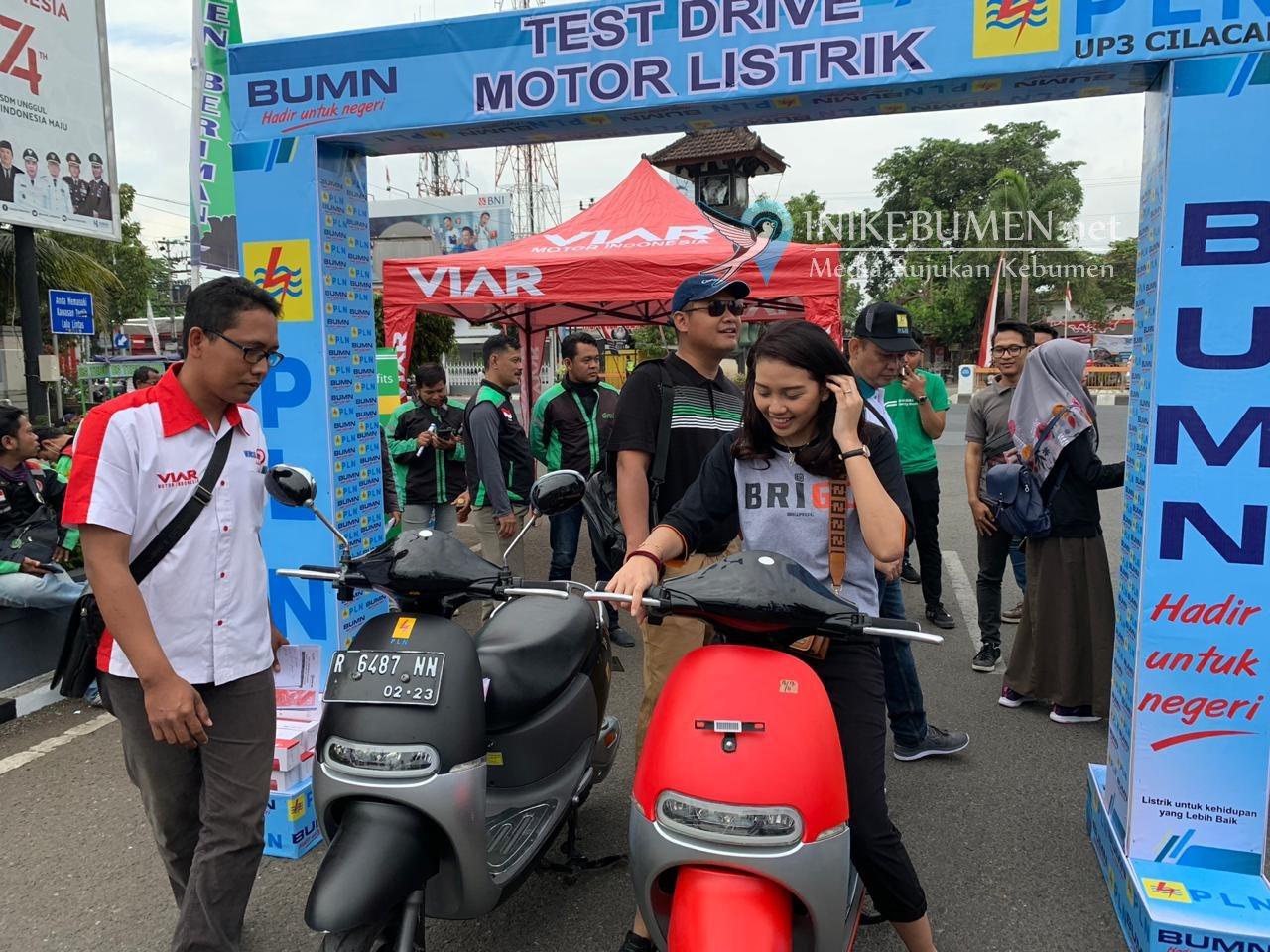 Gandeng PLN dan BRI, Muncul Bursa Motor Sosialisasikan Motor Listrik Viar Q1