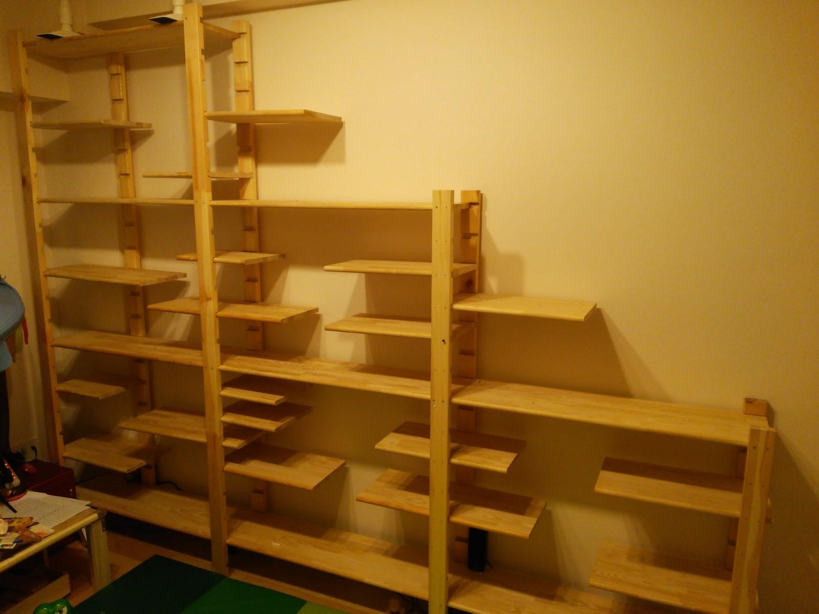 Lq >> 【DIY】ラック支柱を使って子供部屋に安くおしゃれなフリーラックを作った、棚板自在で片付けを楽しく! - まぐたの日記