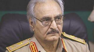 """حفتر يبلغ ماكرون بأن """"الشروط لم تكتمل"""" بعد لإقرار وقف لإطلاق النار في ليبيا"""