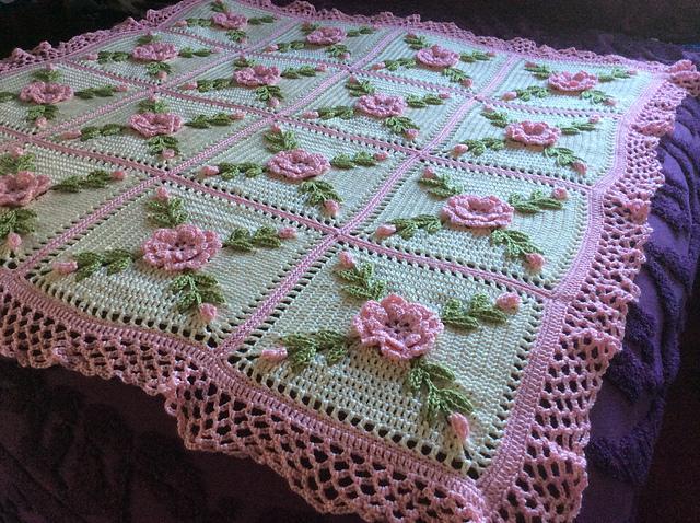 Roses Afghan Blanket Throw - Valentine's Day