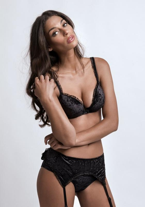 Tatiana Silva en lingerie sexy