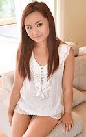 (West) Little Asians - Elle Voneva Asian Selfie Snatch