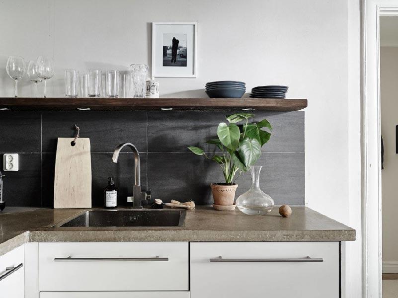 decluttering in cucina