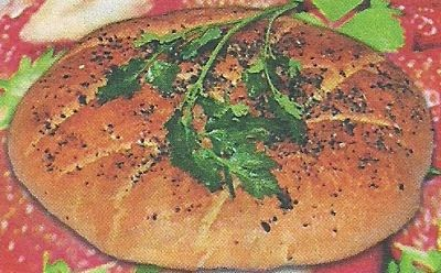 Состав продуктов и приготовление домашнего хлеба с чесноком