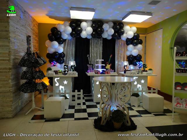 Decoração festa Discoteca - Aniversário infantil - Provençal simples com cortinas