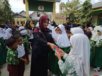 Paket Gizi untuk Anak Pesisir MI Al-Khairiyah Kangkung