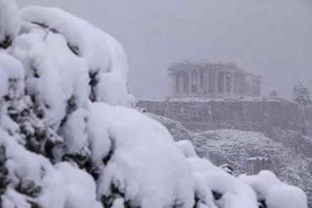 ΕΜΥ για την κακοκαιρία Μήδεια στην Αθήνα: Από τις εντονότερες χιονοπτώσεις των τελευταίων 40 ετών