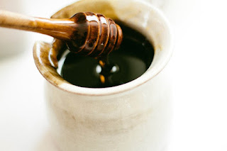 manfaat madu hitam untuk wajah
