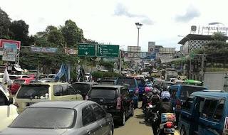 Tol Ciawi dipadati kendaraan
