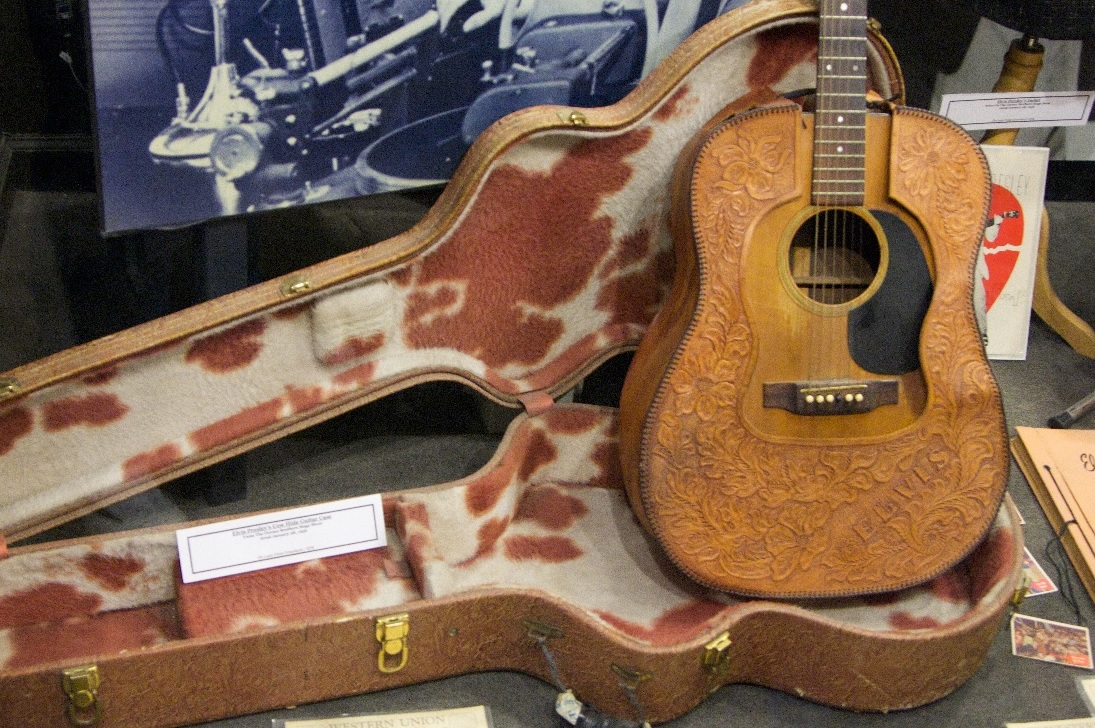 The Unique Guitar Blog Guitars With Leather Covering