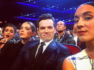 PLL Cast at People's Choice Awards 2016 (Troian Bellisario, Ian Harding, Ashley Benson and Lucy Hale)