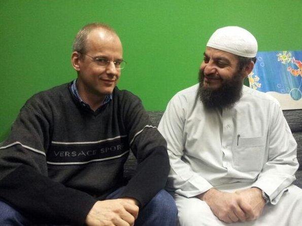 SUBHANALLAH.. Dulunya Produser Ini Anti Islam, Sekarang Jadi Mualaf dan Cinta Islam