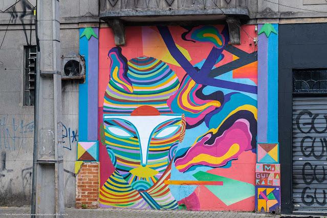 Grafite em um predinho na Rua Brigadeiro Franco