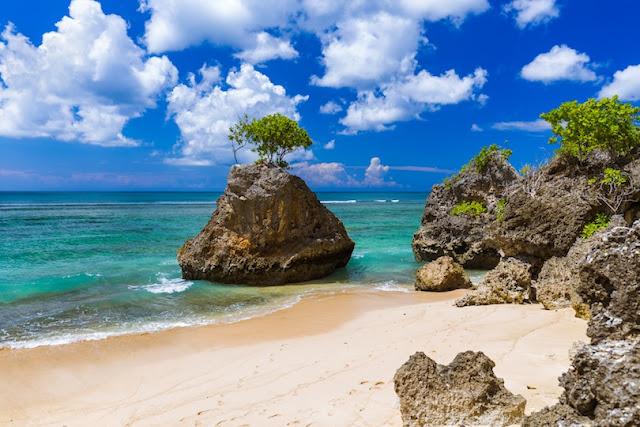 Pantai Bingin, Bali