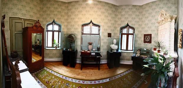 Castelul Iulia Hasdeu interior - salonul de primire.