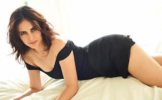 Stunning Hot Mandana Karimi Legs Show In Black Skirt