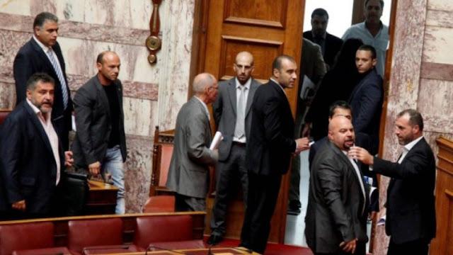 Επανακαταμέτρηση ψήφων σε όλη την Ελλάδα ζητούν οι χρυσαυγίτες