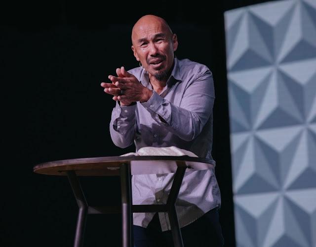 O mundo está olhando para o cristianismo evangélico como uma piada, diz Francis Chan