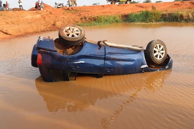 Un prêtre sort indemne de la chute de sa voiture sur le pont de Djagble