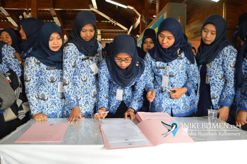 Nasib Bidan PTT Usia Diatas 35 Tahun di Kebumen Belum Jelas
