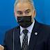 Ministro chega ao Brasil um dia após testar negativo para covid-19