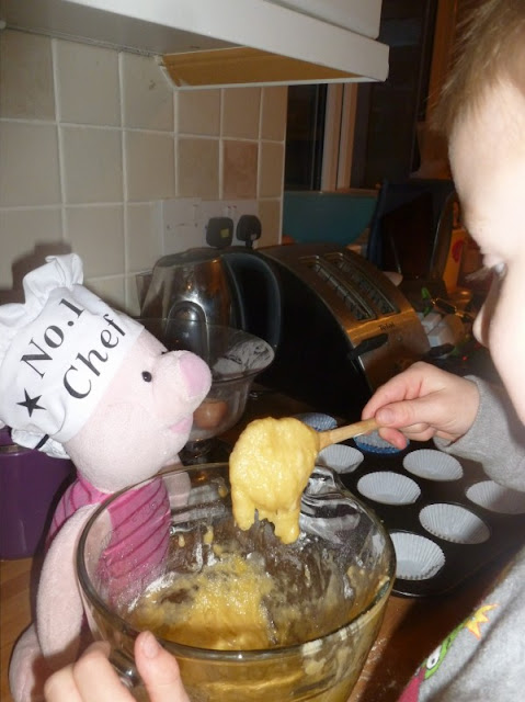 piglet bakes cakes